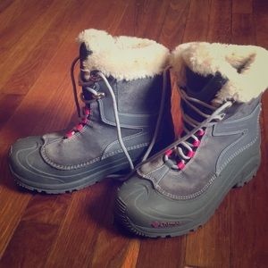Warm Lined Columbia hiking/winter/snow boots